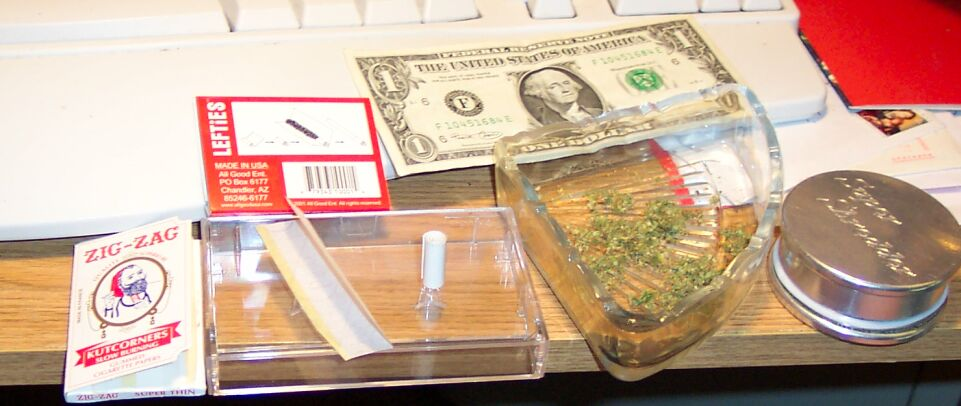 dollar bill to roll a joint